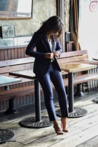 The Tailored Blazer 200x300 - Как одеваться, чтобы выглядеть элегантно и  молодо