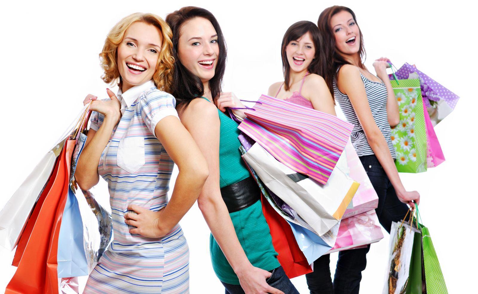 Распродажа: чем стоит пополнить свой гардероб в сезон скидок