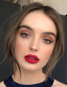 45e57b5d6f5825d1f26da777b9232bd2 232x300 - 7 секретов: макияж по-французски
