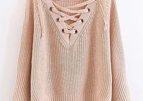 6bcff56fe984cb802b7ff5de5f49ea9e 564x400 - Стильные и модные свитера на зиму 2018-2019