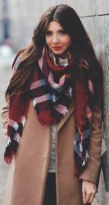 7JThr0J 159x300 - Как носить шарф-плед и выглядеть стильно