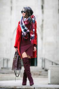 K8Iz7L6 198x300 - Как носить шарф-плед и выглядеть стильно