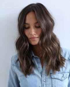 O6xJLue 242x300 - Шиммер - модное окрашивание  волос 2019