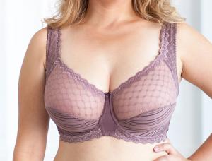 RNGDbRi 300x228 - Как выбрать бюстгальтер женщине с большой грудью