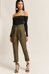 00263861 01 200x300 - Замена джинсам: брюки, которые станут № 1 в 2019 году