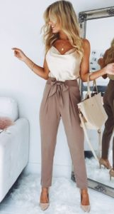 07c557fccf4c856dcc0b02b08216d304 161x300 - Замена джинсам: брюки, которые станут № 1 в 2019 году