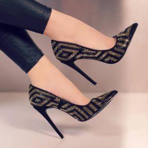 0f05ad19e81b80486bab8c17710525fa 300x300 - Модная обувь на весну -лето 2019. Какую обувь нам предлагают дизайнеры