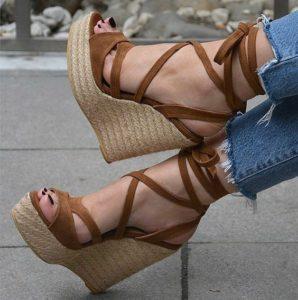 1e740447eb047511826739d53638eb9a 298x300 - Модная обувь на весну -лето 2019. Какую обувь нам предлагают дизайнеры