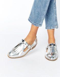 3101c895b6e8260158e6d0c1e43e7d33 235x300 - Модная обувь на весну -лето 2019. Какую обувь нам предлагают дизайнеры