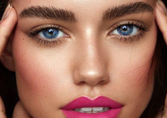 598ef43b9050ea1c97061b83a7c95472 1 564x400 - 7 секретов макияжа, которые пригодятся зрелой женщине