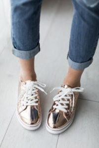 a38aad2b04e7db6767ad2dc72043c634 1 200x300 - Модная обувь на весну -лето 2019. Какую обувь нам предлагают дизайнеры