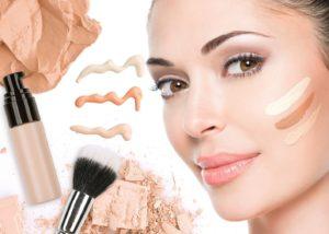 amur nails 31816133 120768928790299 1306579001912852480 n 3 300x214 - 7 секретов макияжа, которые пригодятся зрелой женщине