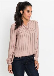 bluzka v polosku 214x300 - Как носить блузку после 40: 5 блузок, в которых вы будете выглядеть моложе