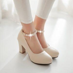 d8ede6bb609a2aa48da855f6147e2b73 300x300 - Модная обувь на весну -лето 2019. Какую обувь нам предлагают дизайнеры