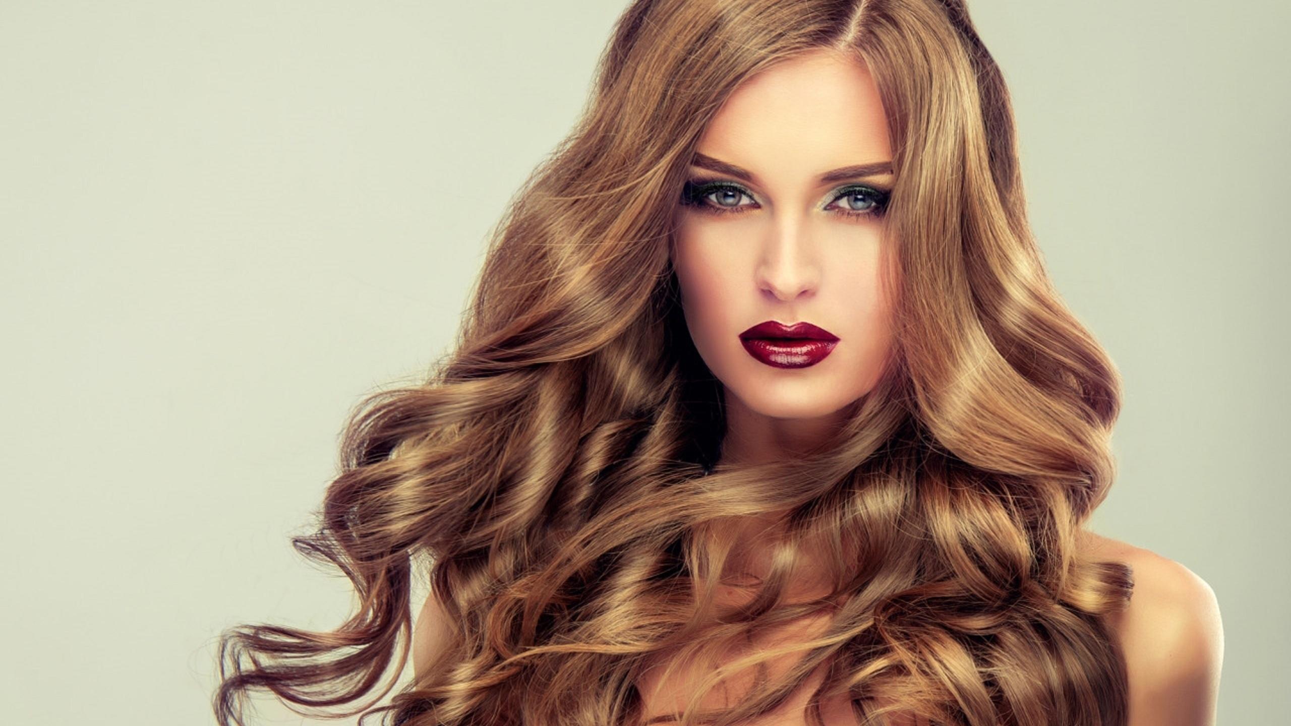 Цвет волос, который выглядит дорого, и как его добиться