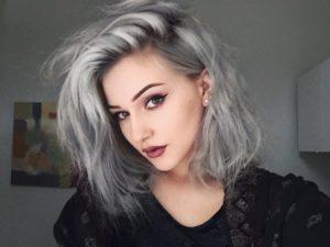 s1200 4 300x225 - Модные оттенки для седых волос-2019