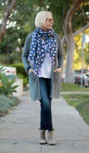 01 174x300 - Как женщине 50+ правильно подобрать джинсы: 3 важных нюанса
