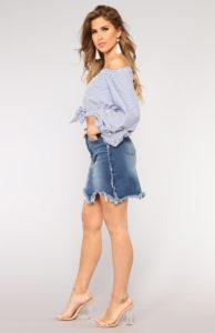 04 04 18 Studio2 B8477 Bluecombo 1080.jpg.765c42d0e8592dd7e934f40929bf1974 1 194x300 - Модный деним. Чем пополнить джинсовый гардероб в 2019 году