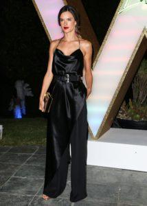 Alessandra Ambrosio Feet 2489853 214x300 - Топ 7 сексуальных моделей, рекламирующих нижнее белье