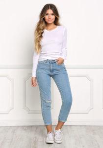 b194b6509682268 210x300 - Модный деним. Чем пополнить джинсовый гардероб в 2019 году