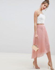 image1xxl 2 1 235x300 - 3 юбки, которые обязательно должны быть в весеннем гардеробе