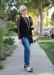 original 2 217x300 - Как женщине 50+ правильно подобрать джинсы: 3 важных нюанса
