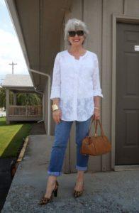 original 25 2 196x300 - Как женщине 50+ правильно подобрать джинсы: 3 важных нюанса