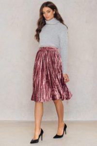 true decadence velvet ruffle skirt 1521 000013 2211 5 200x300 - 3 юбки, которые обязательно должны быть в весеннем гардеробе