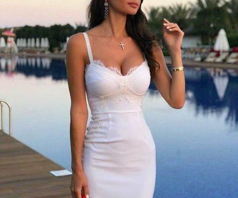 72eba9902b4cf3806e002ccafbe59a0e 480x400 - Как одеваться женщине с большим бюстом