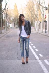 Distressed Jeans12 201x300 - Как выбрать и с чем носить джинсы-бойфренды