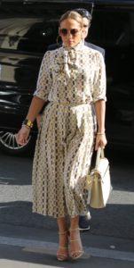Jennifer Lopez Feet 2832676 2 151x300 - Быть стильной после 40 лет