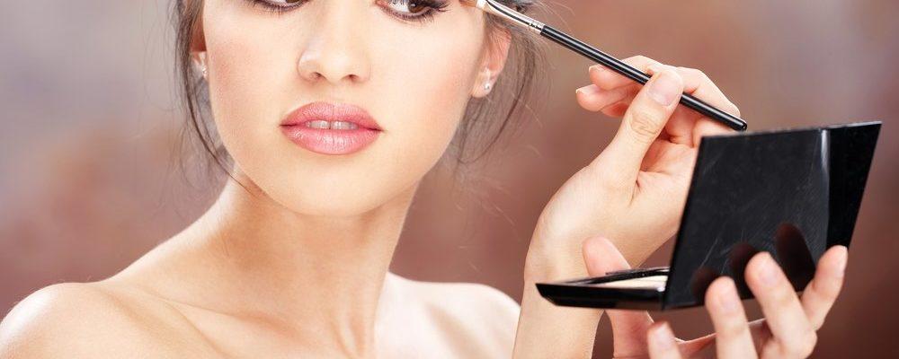 s1200 2 1000x400 - 5 советов, как сделать свой макияж более стойким в дождливую погоду