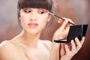 s1200 2 300x200 - 5 советов, как сделать свой макияж более стойким в дождливую погоду