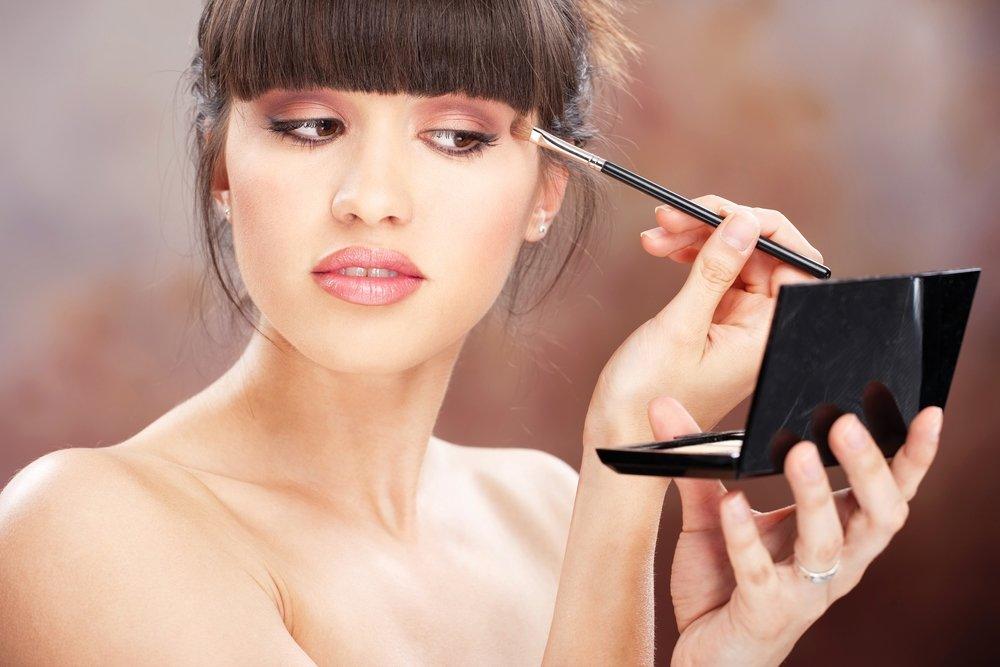 5 советов, как сделать свой макияж более стойким в дождливую погоду