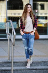 s1200 4 197x300 - Как выбрать и с чем носить джинсы-бойфренды