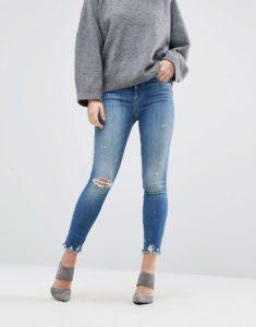 image1xxl 2 235x300 - Выкинуть или оставить? Брюки и джинсы, которые старят и портят фигуру