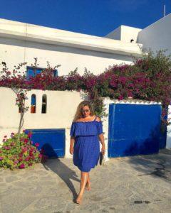 18721742 1372044356211995 7790884174579105792 n 240x300 - 10 моделей сарафанов и платьев на лето для пышнотелых женщин