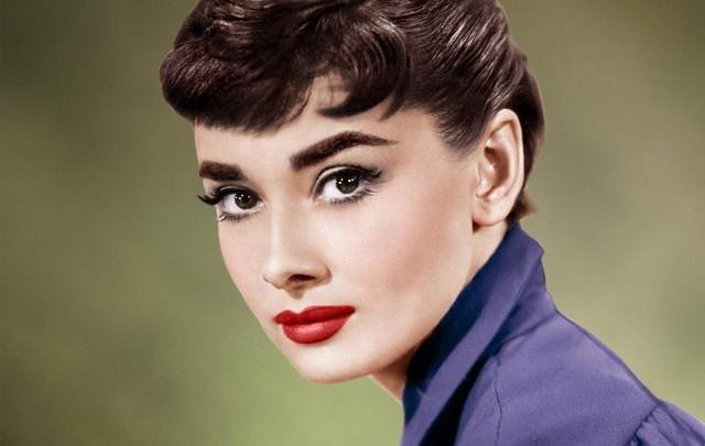Сын Одри Хепберн рассказал ее секрет длинных ресниц!