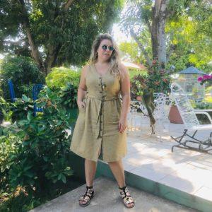 54237200 385124468935593 3141606085309852441 n 300x300 - 10 моделей сарафанов и платьев на лето для пышнотелых женщин