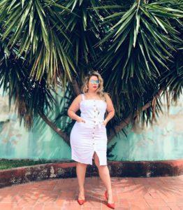 56498753 2200114083636653 2095475003627816577 n 262x300 - 10 моделей сарафанов и платьев на лето для пышнотелых женщин